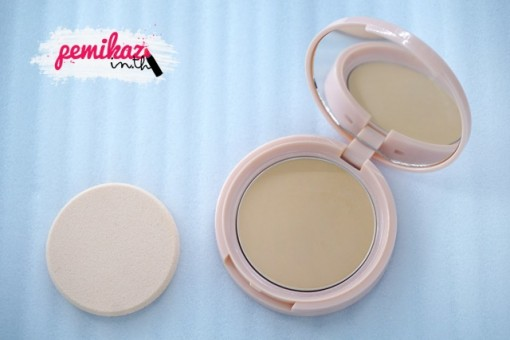 pemikaz ustar Zignature Naughty Chic Matte All in One Super Powder SPF25 PA++