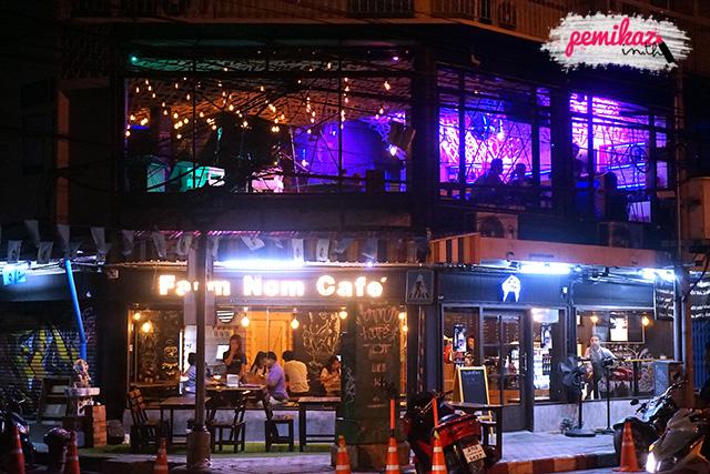 เปมิการีวิวร้าน Farmnom cafe' ร้านนม นั่งชิล หรูที่สุดในย่านวุฒากาศ