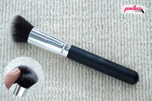 review-magique-contour-brush