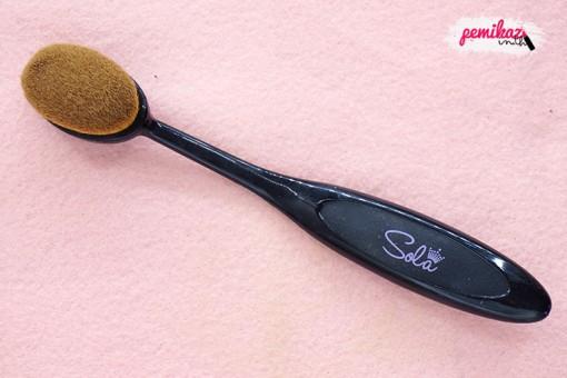 sola-foudation-brush-1